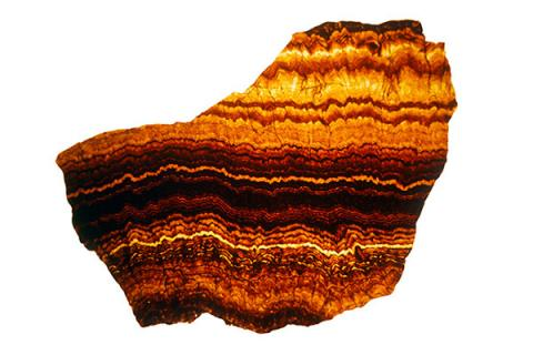 Yellow and brown banding in the mineral sphalerite are caused by changes in rainfall and groundwater.