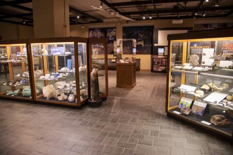 Earth and Mineral Sciences Museum and Art Gallery