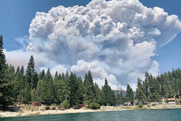 The Creek Fire burns in California's Sierra National Forest in 2020.