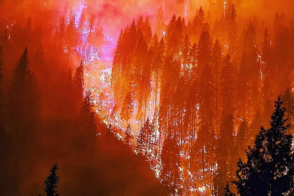 The River Complex fires burn in Klamath National Forest