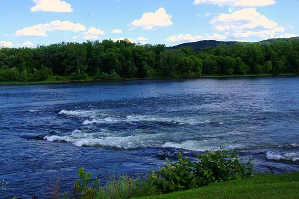 Inland waters like rivers and lakes are a net source of carbon